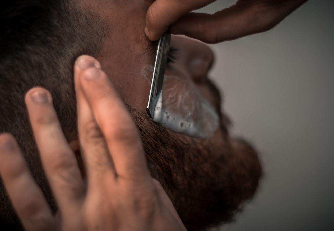 Wrastające włosy po goleniu